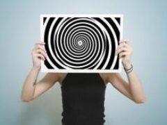Бороться со стрессом можно с помощью гипноза и осознанности