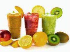 Как похудеть с помощью фруктовых соков и смузи: советы экспертов