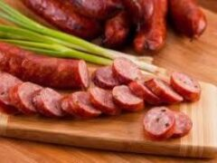 Эксперт рассказал, как правильно выбирать колбасу