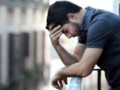 Раздражительность и депрессия у мужчин: чем грозит дефицит тестостерона