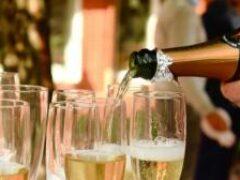 Какими продуктами нельзя закусывать шампанское