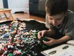 Дайте спокойно поработать! Чем занять детей на карантине без участия родителей
