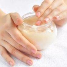 Косметолог назвала 4 правила ухода за кожей рук весной