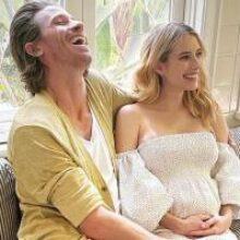 Беременная Эмма Робертс позировала украинскому фотографу