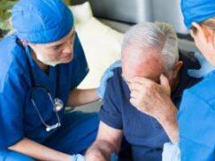 Инсульт головного мозга: как вовремя оказать помощь и спасти жизнь человеку