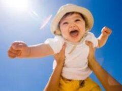 Малыш и лето: 6 способов уберечь ребенка от перегрева