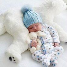 Вибираємо одяг новонародженому: корисні поради