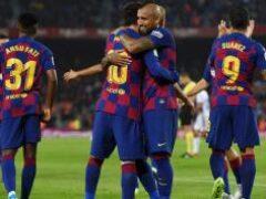 Барселона в меньшинстве сыграла в ничью в каталонском дерби