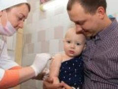 ВОЗ выступила за вакцинацию детей от коронавируса