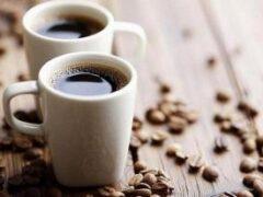 Медики рассказали, почему нельзя пить кофе в жару