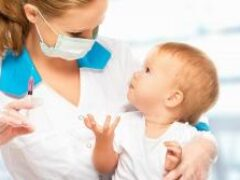 Вакцинация взрослых защитит непривитых детей