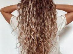 Летний уход за волосами: 8 лайфхаков