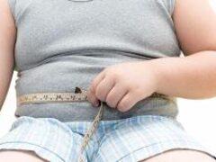 Медики рассказали, кому особенно опасно иметь лишний вес