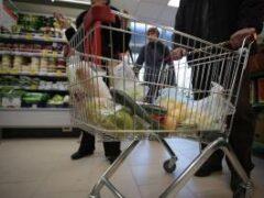 Как обезопасить продукты из супермаркета: правила распаковки и обработки