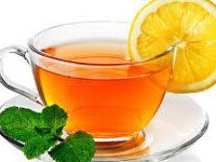 Диетолог: лимон и теплый чай помогут притупить чувство голода
