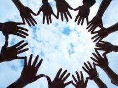 Волонтерство и благотворительность делают людей привлекательнее