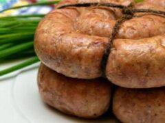 Врачи раскрыли опасность употребления жареной колбасы