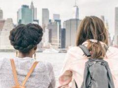 Тоска по дому: 5 советов, как не сойти с ума вдалеке от родных и близких
