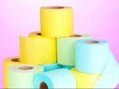 Бывает ли опасна туалетная бумага: смотрим цвет и состав