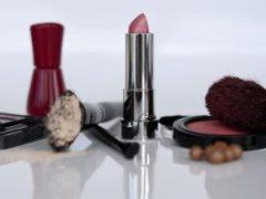 Секонд-хенд косметика: как безопасно закупиться на1000 рублей
