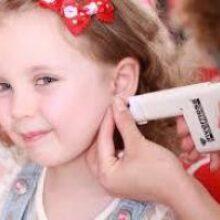 Нужны ли крошке сережки или безопасность прокола и пирсинга для детей
