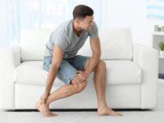 Медики назвали причины спазмов в ногах по ночам