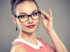 5 секретов макияжа для тех, кто носит очки
